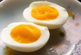 Bác sĩ cảnh báo sai lầm nguy hiểm khi ăn trứng