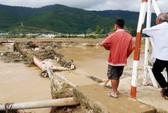 Lâm Đồng tan hoang vì mưa lớn và thủy điện xả lũ