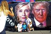 Bà Clinton và ông Donald Trump đối mặt