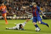 """Messi là """"hung thần"""" của Man City"""