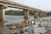 Đi bộ... giữa lòng sông Cái Nha Trang