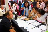 Cha mẹ Việt chi nhiều tiền cho con du học Mỹ
