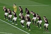 """Quảng cáo vô duyên, AC Milan bị """"ném đá"""" dữ dội"""