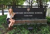 Bị treo vợt, Sharapova đi học nghề quảng cáo