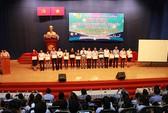 Hơn 100 suất học bổng cho con CNVC-LĐ