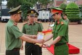 Vụ khống chế, đòi gặp Chủ tịch Tập đoàn Trung Nguyên: Khen thưởng 3 công an