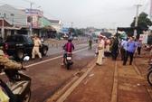 Tai nạn với xe tải, ba người cùng gia đình thương vong