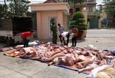 Bắt xe tải chở thịt thối tuồn vào chợ công nhân