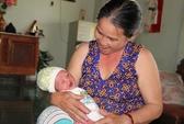 Sợ chồng đánh, bỏ con mới sinh bên vệ đường