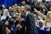 Tổng thống Obama đọc kinh Koran giữa nhà thờ Hồi giáo