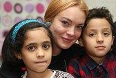 Lindsay Lohan bị tai nạn lìa nửa ngón tay