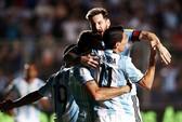 Argentina bay trên đôi cánh Messi