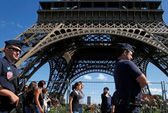 Tiết lộ động trời về mầm mống IS trong lòng nước Pháp
