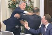 Nghị sĩ Ukraine lại choảng nhau dữ dội tại quốc hội