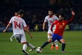 Tây Ban Nha thắng dễ sân nhà, Ý tạo mưa bàn thắng đất khách