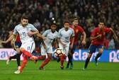 Ngược dòng kịch tính, Tây Ban Nha chia điểm tuyển Anh