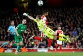 Ozil lập hat-trick, Arsenal hạ gục Ludogorets