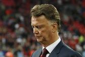 Chính thức sa thải Van Gaal, M.U đưa Mourinho lên thay