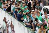 Máy bay chở đội bóng của Brazil rơi, 76 người chết