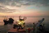 Cận cảnh cứu 15 thuyền viên bị chìm tàu trên biển
