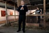 Bill Gates dùng gà cứu nước nghèo