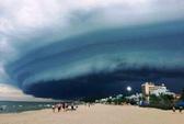 Nhà khoa học lên tiếng về đám mây đen kỳ lạ trên biển Sầm Sơn