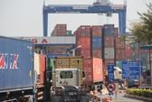 Ba cán bộ hải quan bị bắt vì để 213 container