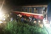 Vào ga ở Thanh Hóa, tàu SE3 chở 200 khách trật bánh