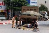3 người chết thảm dưới bánh xe tải, tài xế rời hiện trường