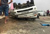 Lật xe tải đông lạnh, 1 người chết, 2 người bị thương nặng