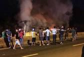 Cháy xe giường nằm dữ dội ở Nha Trang