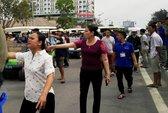 Xe điện kéo ra đường gây náo loạn TP biển Sầm Sơn