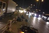Đi vào làn ô tô, 2 thanh niên bị xe tải tông tử vong