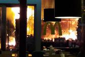 """Sân khấu ra mắt phim """"Kong: Skull Island"""" cháy rụi"""