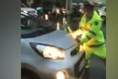 Tài xế taxi vượt đèn đỏ,