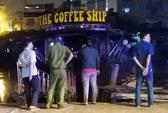Cháy tàu cải tạo làm quán cà phê trên kênh Tẻ