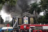Cháy lớn quán karaoke, chạy thoát thân trong khói đen mù mịt