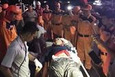 Cứu sống 20 ngư dân gặp nạn trên biển
