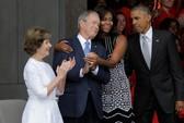 Tình bạn hiếm có giữa ông Bush và bà Obama