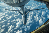 Máy bay chở hơn 300 người suýt trúng tên lửa Triều Tiên