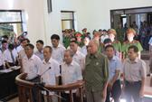 Sai phạm đất đai Đồng Tâm: 14 cựu cán bộ bình thản hầu tòa