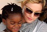 Madonna nhận hai con nuôi Malawi