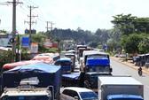 Tài xế lại dừng xe ở Trạm BOT Biên Hòa, Quốc lộ 1 vẫn tê liệt