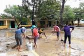 Cứu trợ lũ lụt: Sao cứ là mì tôm, nước mắm?
