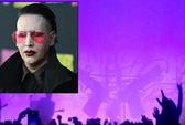 Sao nhạc rock chấn thương vì tai nạn sân khấu