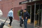 Ronaldo đưa bồ mới vào khách sạn CR7