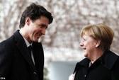 Đến lượt bà Merkel bị Thủ tướng Canada