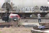 Tạo dáng trên đường ray, người mẫu trẻ bị thiệt mạng