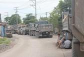 Dân lại chặn xe ben ra vào mỏ đá Tân Cang