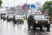 APEC 2017: Người dân Đà Nẵng đội mưa xem
